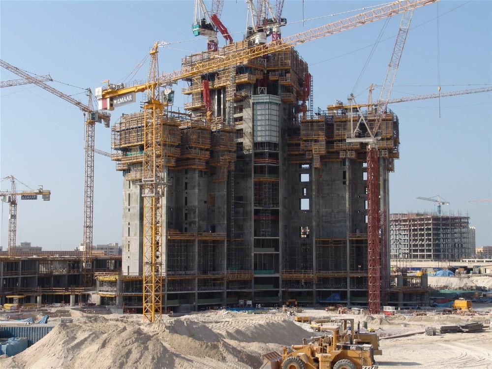 Etapa de construcción con andamios certificados en Burj Khalifa