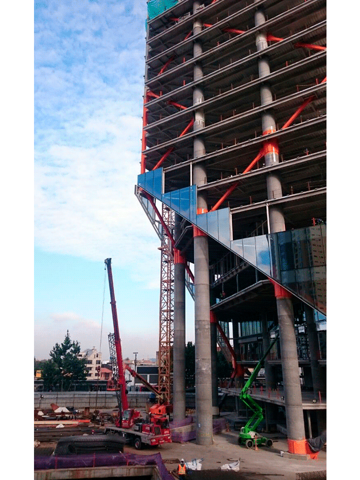 torre-atrio-bogotá-construcción
