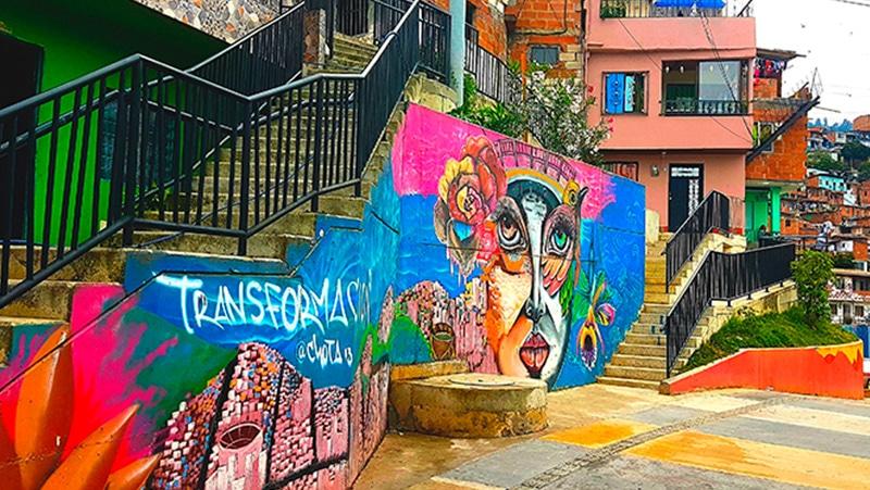 graffiti-escalera-medellin-andamio-colgante